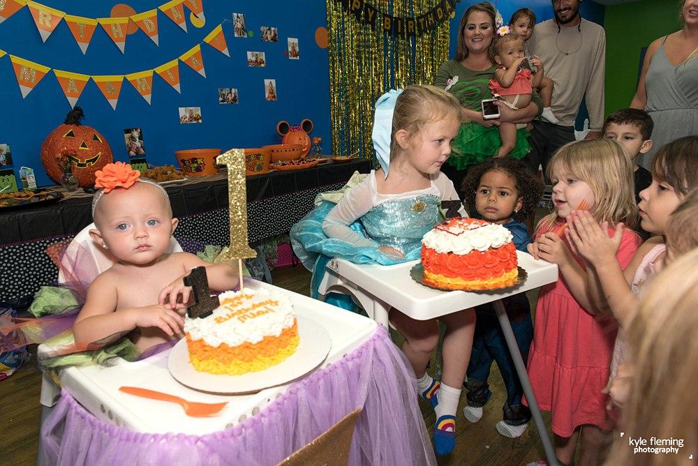 1st Birthday, Cash smash, smash cake, event photography, Sylvia's Clubhouse, birthday party
