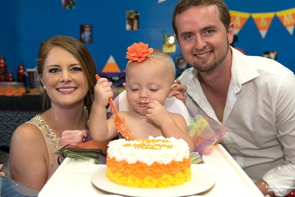 1st Birthday, Cash smash, smash cake, event photography, Sylvia's Clubhouse